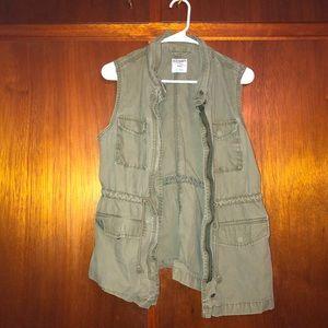Green army vest